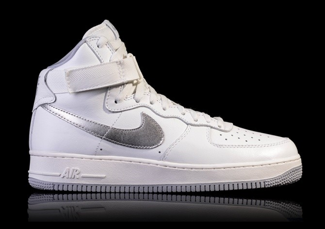 NIKE AIR FORCE 1 HIGH RETRO QS WHITE SUMMIT