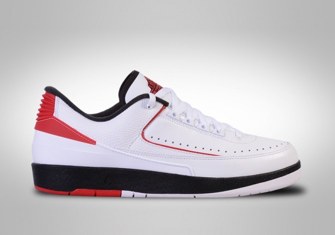 new arrival c01d7 14bc3 NIKE AIR JORDAN 2 RETRO LOW CHICAGO