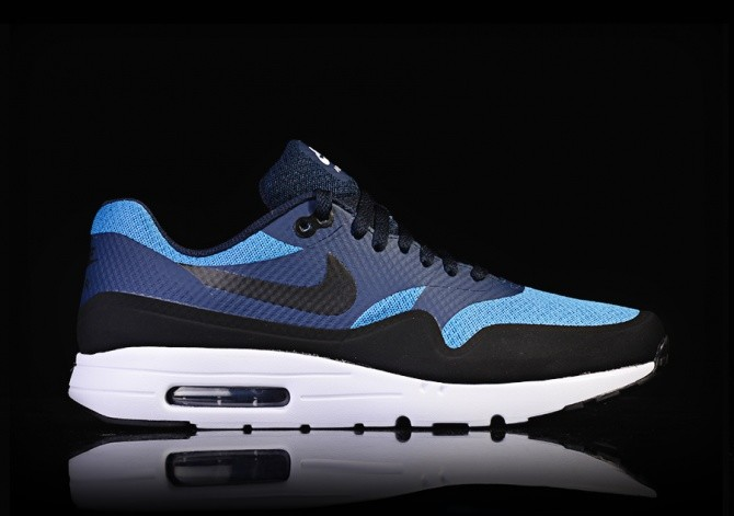 db81c3e3c1a5 NIKE AIR MAX 1 ULTRA ESSENTIAL STAR BLUE pour €112