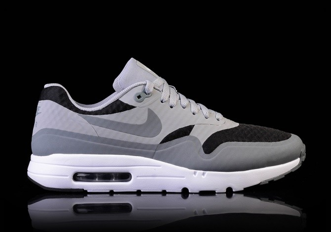 275f1a6933a NIKE AIR MAX 1 ULTRA ESSENTIAL BLACK OR GREY voor €115,00 ...