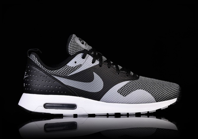 NIKE AIR MAX TAVAS PREMIUM BLACK SHADOW price €105.00