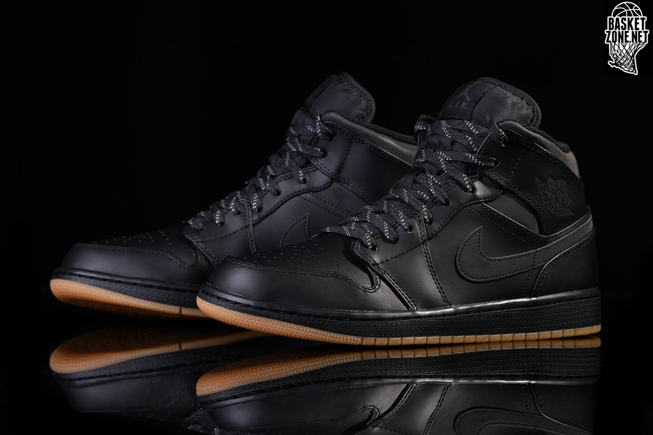 detailed look 7a937 d5842 NIKE AIR JORDAN 1 RETRO MID WINTERIZED BLACK