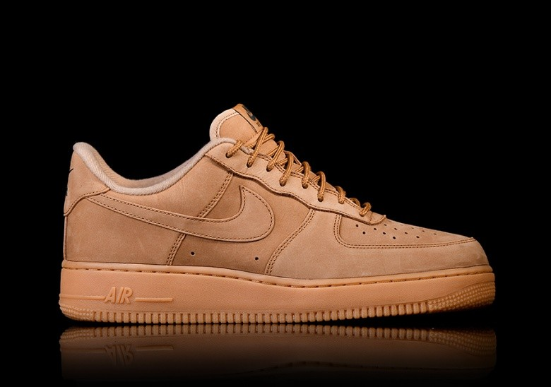 19de0bd5afb0d NIKE AIR FORCE 1  07 WB FLAX PACK WHEAT per €102