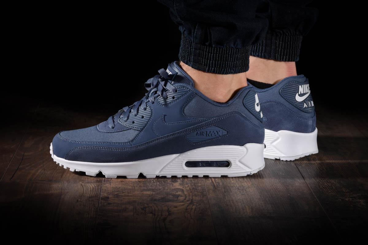 Nike Herren Air Max 90 Essential Laufschuhe B00AZRO4CS