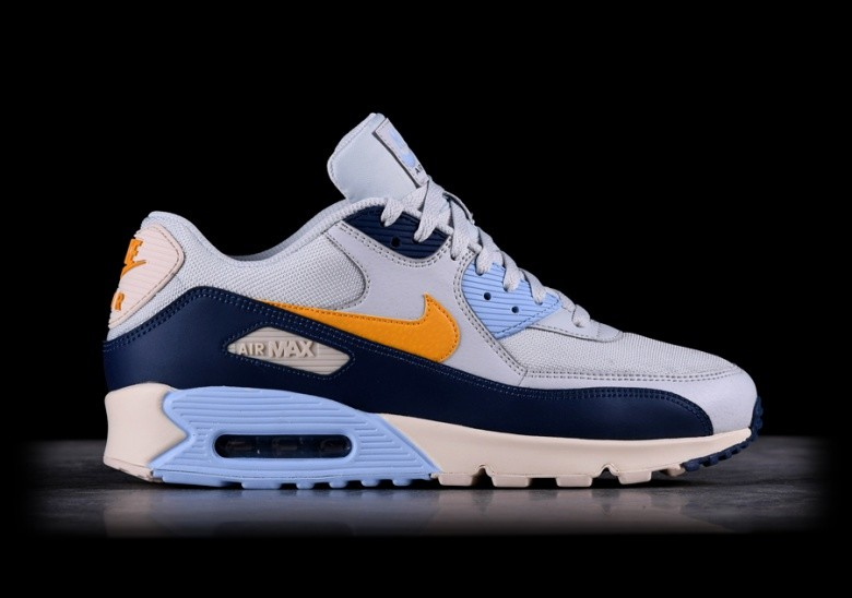NIKE AIR MAX 90 ESSENTIAL PURE PLATINUM für €125,00