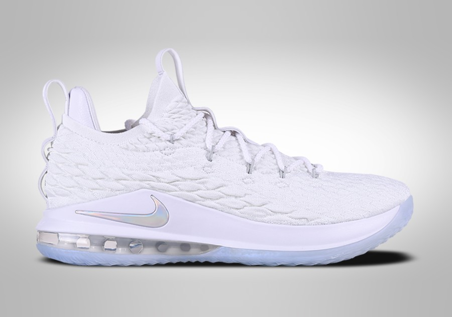 timeless design 522e0 39da5 NIKE LEBRON 15 LOW WHITE METALLIC price €147.50   Basketzone.net