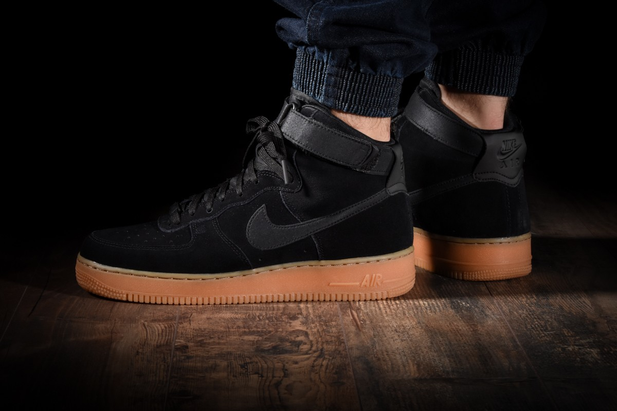 NIKE AIR FORCE 1 HIGH '07 LV8 SUEDE for 120.00fr
