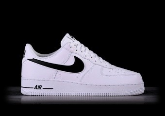 super popular 1ca55 80f0d SPORTS SHOES. NIKE AIR FORCE 1  07 WHITE BLACK SWOOSH