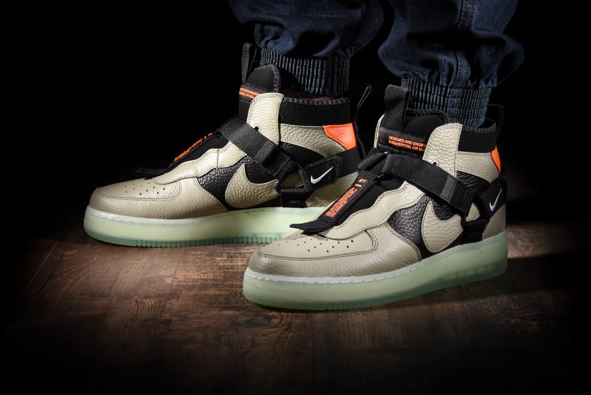 NIKE AIR FORCE 1 UTILITY MID for £125.00 |