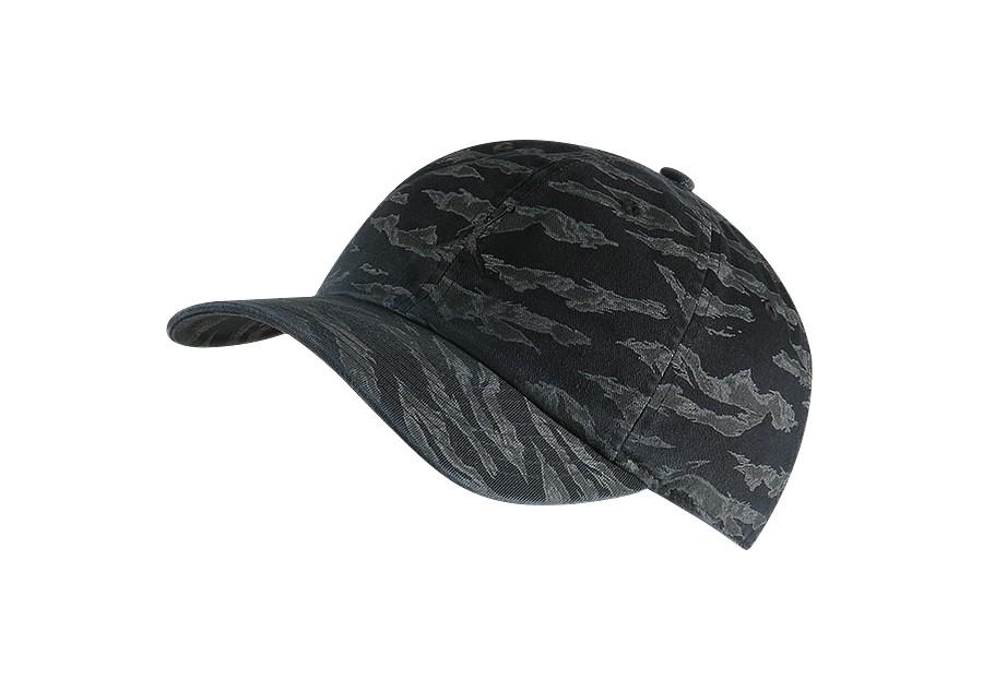 6907e1657dad7 NIKE AIR JORDAN HERITAGE86 CAMO JUMPMAN HAT BLACK price €27.50 ...